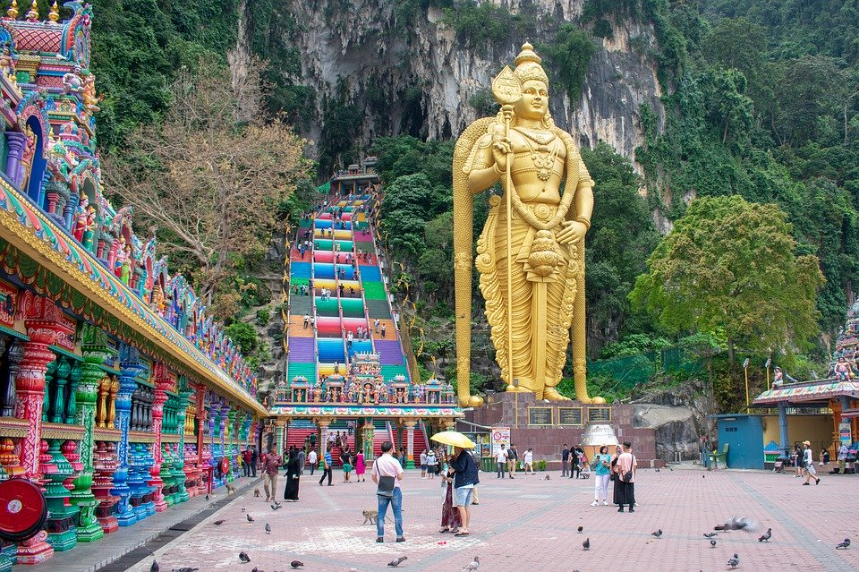 Malaysia Bets on Local and Non-Chinese Visitors to Reach Tourism Target